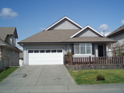 Beautiful,  2 bedroom close to Langley Hospital with fenced yard!